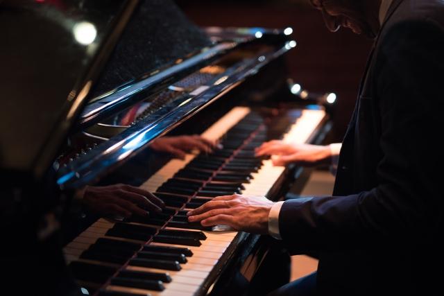 ピアノ始めるのはもう遅い?年齢を気にしているあなたへ