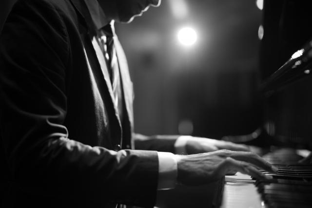 私がピアノで演奏してみて良かった曲5選【懐メロ男性編】
